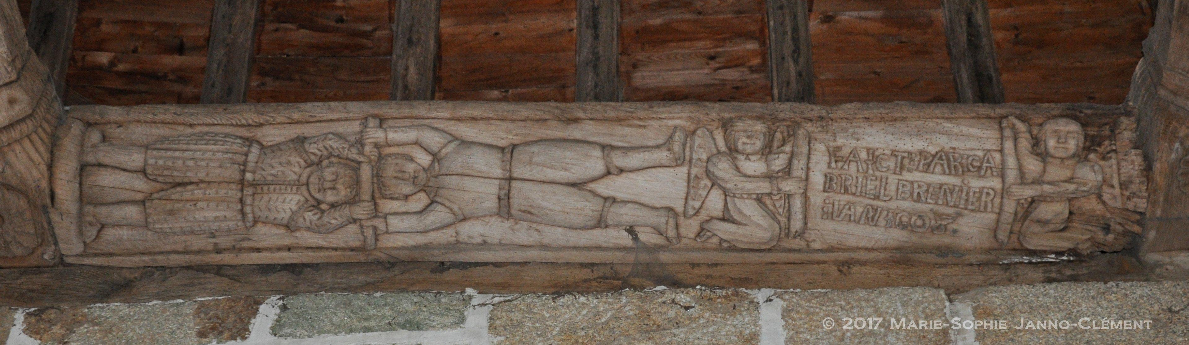 Sculptures sur les corniches de la charpente vers 1600-1608 - Le jeu du bâton (nef, mur nord) inscription « FAICT PAR GABRIEL BRENIER L'AN 1608 » - Ci-dessous, différentes gargouilles sculptées en bois